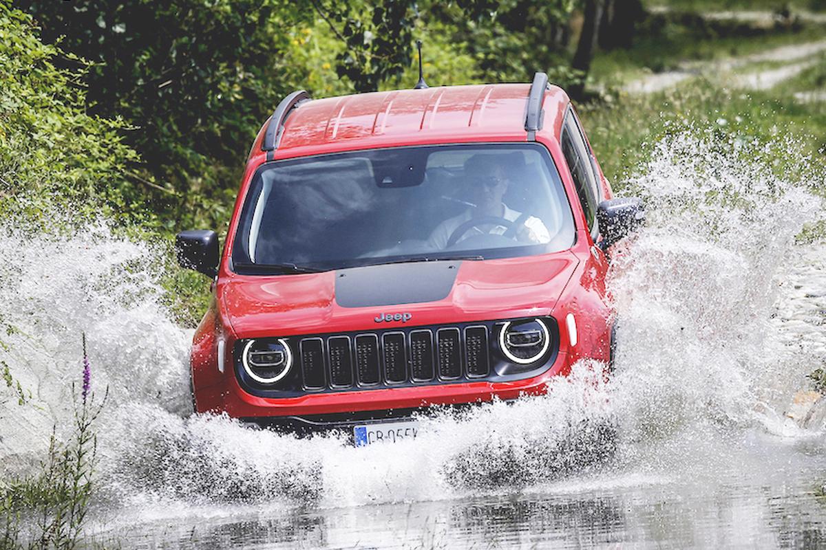 Jeep Almanya Da Odulleri Topladi Otomobil