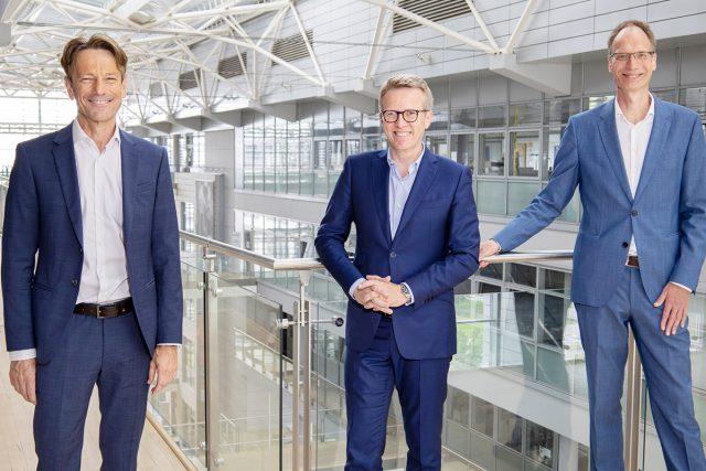 Opel-Uwe Hochgeschurtz-Xavier Chereau